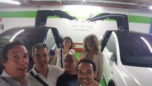 Fuertes Family en DC Tesla con amigos